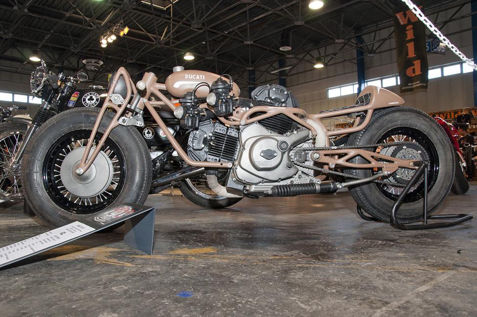 350-es Ducati: az ország legbetegebb desmója Trabant felniket kapott, küllőzve