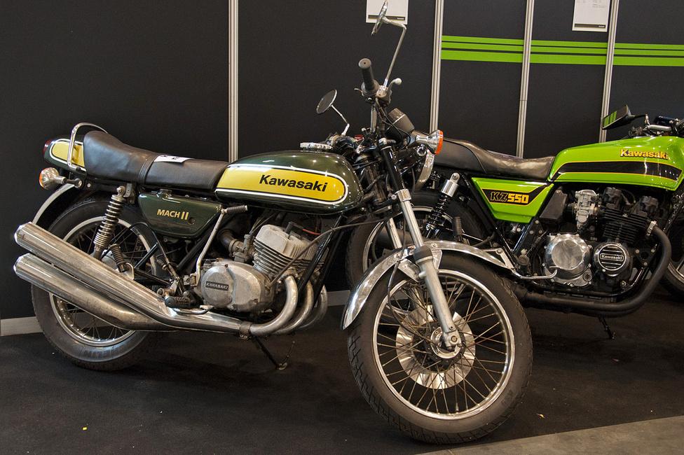 Úgy néz ki, mint egy öreg vacak, pedig korának legsportosabb kétüteműit a Kawasaki gyártotta