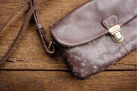 Tovább marad újszerű a táskád, ha így bánsz vele: az sem mindegy, hogyan tárolod