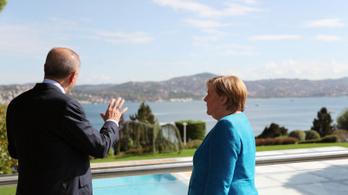 Angela Merkel elbúcsúzott a török elnöktől
