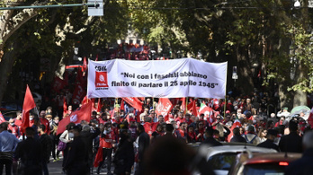 """Tízezrek tiltakoztak Rómában a """"szélsőjobb"""" ellen"""