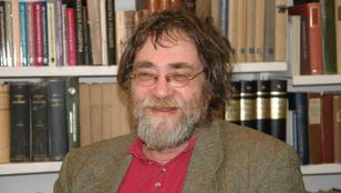 Meghalt Kálmán C. György