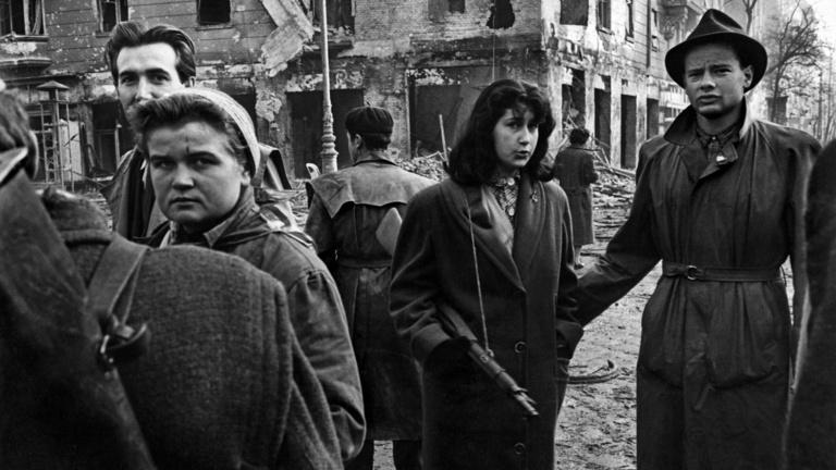 A magyar forradalom a Magnum fotósának szemével