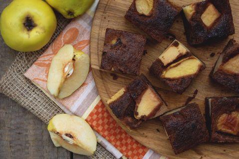 Illatos birsalmás süti kefires, kakaós kevert tésztából: egyszerre édes és fanyar