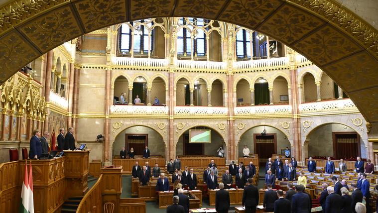 Az előválasztás és Gyurcsány Ferenc a téma a parlamentben