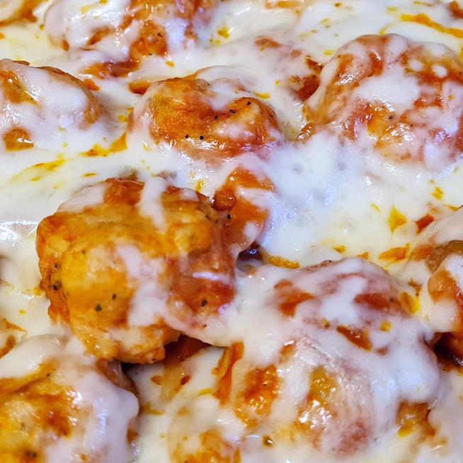 Paradicsomos húsgombóc spagettivel összesütve: a sütőben érnek össze az ízek
