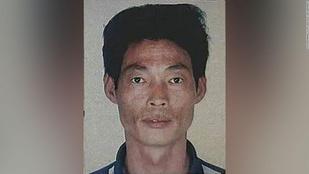 Gyászolják a kínaiak a kétségbeesett gyilkost, aki 30 éve még kisfiút és delfineket mentett