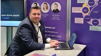 A Booking.com korábbi vezetőjét igazolta egy magyar turisztikai ügynökség