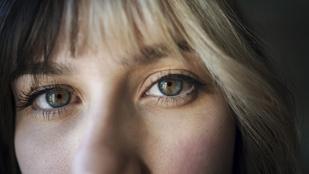 A szeméből jöttek rá az orvosok, hogy magzatkorában lenyelte a saját ikertestvérét