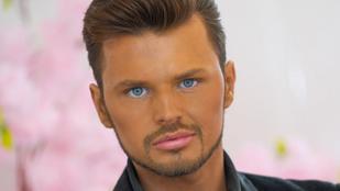 Ez a férfi milliókat költ önbarnítóra: inkább meghalna, minthogy újra fehér legyen a bőre