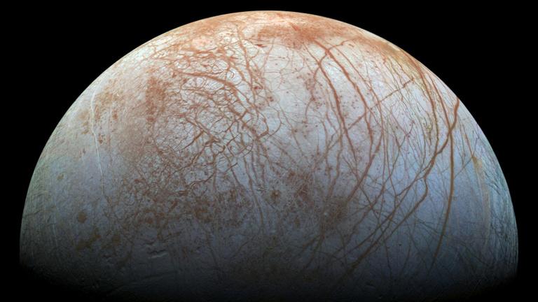 Furcsán gyűlik a vízpára a Jupiter holdján