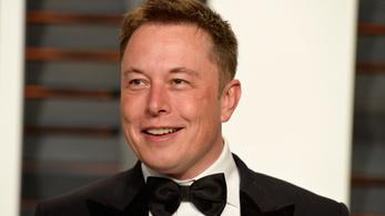 Elon Musk a billiomosság szélén áll