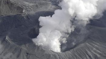 Hatalmas robbanással kitört Japán legnagyobb vulkánja
