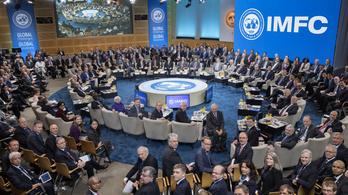 Előjött az IMF egy olyan számmal, hogy Varga Mihályék álla le fog esni