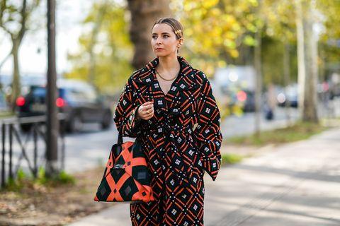 Színek és minták mixelve, pont, mint az otthonkadivat idején: a kaotikus öltözék is lehet nagyon szép