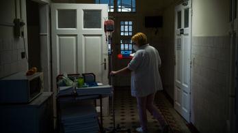 Nem áll meg az ápolói béremelés, jövőre újabb 21 százalék jön