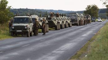 Ne ijedjenek meg, ha katonai konvojokkal találkoznak