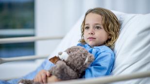Az orvosok azt hitték, semmi baja: rákkal küzd a kétéves kislány