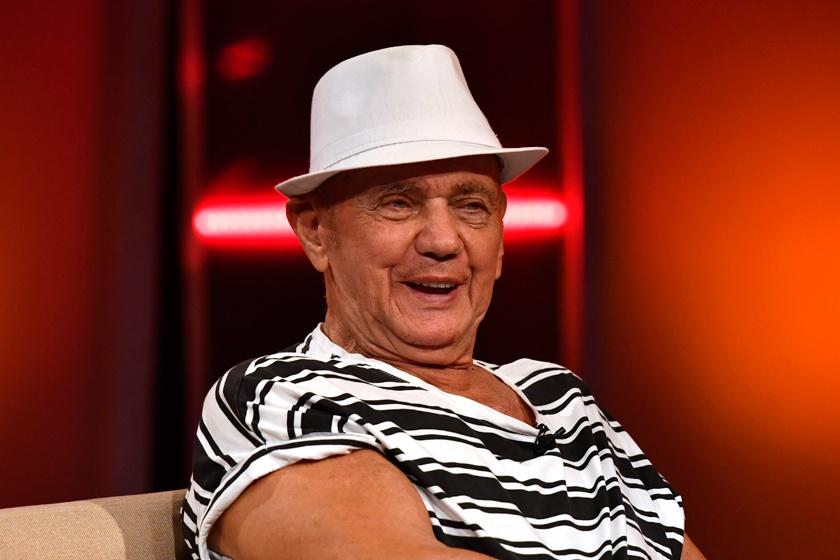 Ő a 83 éves Koncz Gábor társa: a csinos, szőke Katával többször lefotózták már