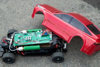 Kicsiben is megépítették a Toyota Mirait, hidrogénhajtással