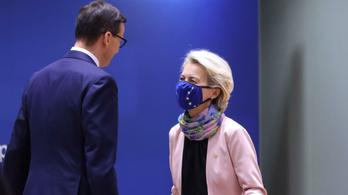 Az Európai Parlament törvényen kívülinek nyilvánította a lengyel alkotmánybíróságot