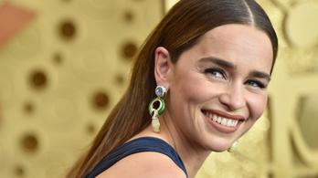 Demagóg szenátorfeleségként tér vissza Emilia Clarke
