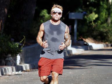 Ryan Phillippe vádlija olyan izmos, hogy meghozta a kedvünket egy jó kis futáshoz