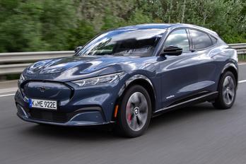 A villany-Mustang beelőzte a Mondeót Európában