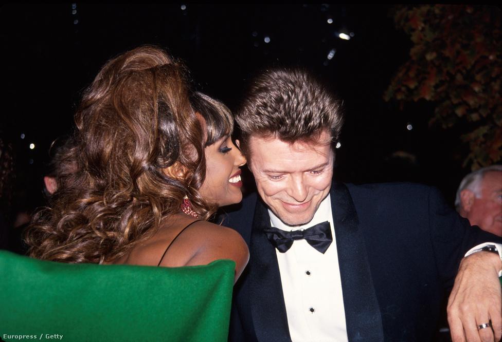 Bowie 1992-ben vette feleségül a szomáli felmenőkkel is rendelkező szupermodellt, Imant. A párnak 2000-ben született gyermeke, viszont előző, 1980-ban véget ért házasságából Bowie-nak ekkor már volt egy 29 éves fia, aki jelenleg mint Duncan Jones filmrendező ismert.