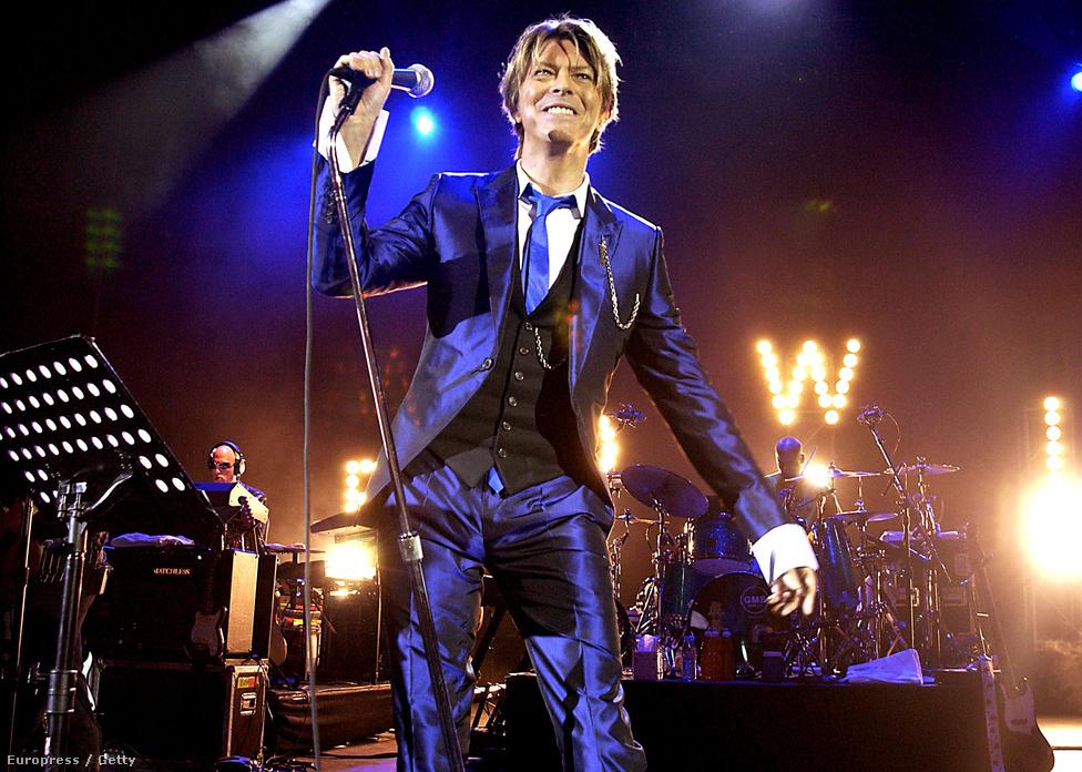 Bowie a Heathen lemez turnéján Londonban, a Hammersmith Appollóban.