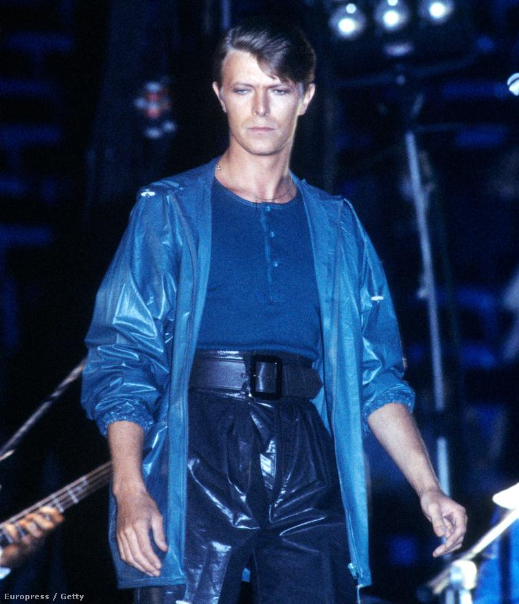 David Bowie 1978-ban az oaklandi Coliseumban.