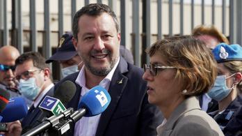 Börtönre ítélhetik a volt olasz belügyminisztert