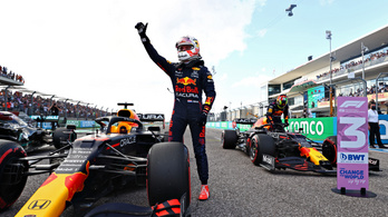 Bajban a Mercedes, Verstappen űridővel a pole-ban