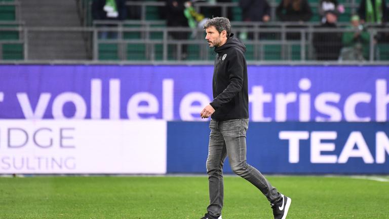 A Wolfsburg kirúgta Mark van Bommelt