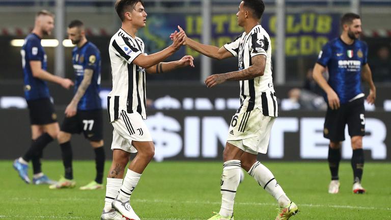 A Juventus hajrábeli büntetővel mentett pontot a csúcsrangadón