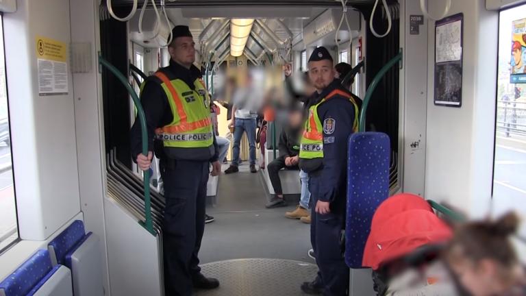 Nem unatkoztak azok a rendőrök, akik a 4-es, 6-os villamost ellenőrizték