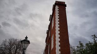 375 milliót ér London legkeskenyebb háza