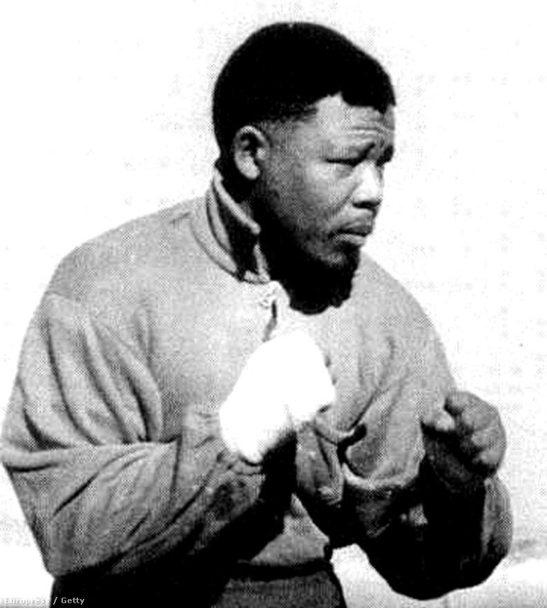 Az ANC Umkhonto we Sizwe (Nemzet Lándzsája) néven gerilla- illetve szabotázsakciókra képes földalatti katonai szervezetet hozott létre. Ennek élére Mandela került.