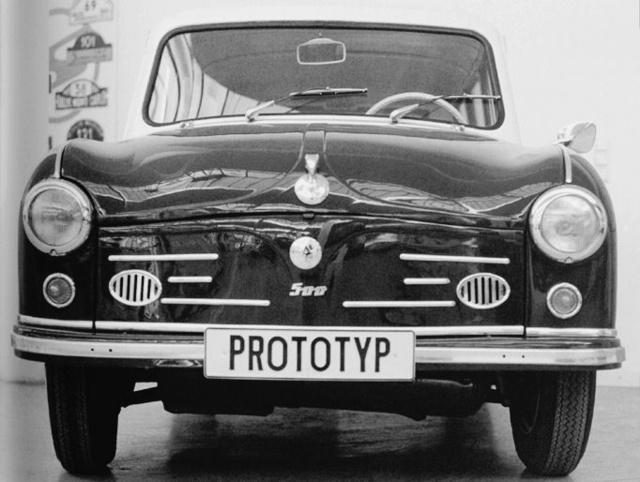 Egy korai kísérleti darab, még P70-es stílusú karosszériával