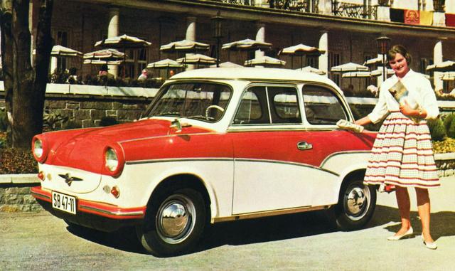1959-ben jött a kétféle díszlécminta, a kúpos dísztárcsa és a két-, illetve háromrészes fényezés