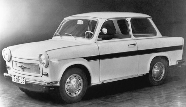 Amikor a P60/1-est tervbe vették,                          még díszlécekről is szó volt,                          de a termelés racionalizálása miatt                          a végleges 601-es sokat vesztett fényéből