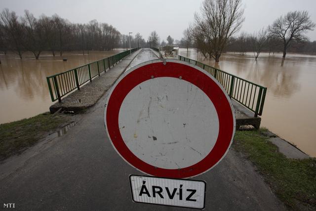 A hosszú  hétvégén árvíz és belvíz okozott problémákat több megyében is