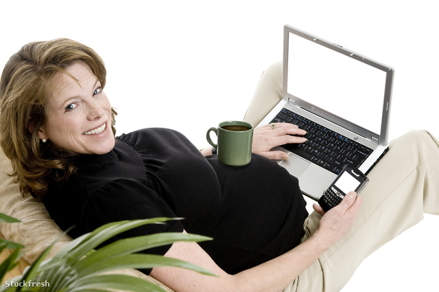 stockfresh 613475 pregnant-business-woman sizeM