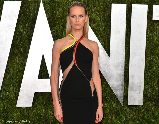 Karolina Kurková február végén, a Vanity Fair Oscar-afterpartiján