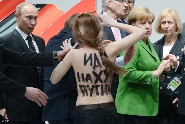 Putyin, Merkel és egy félmeztelen aktivista