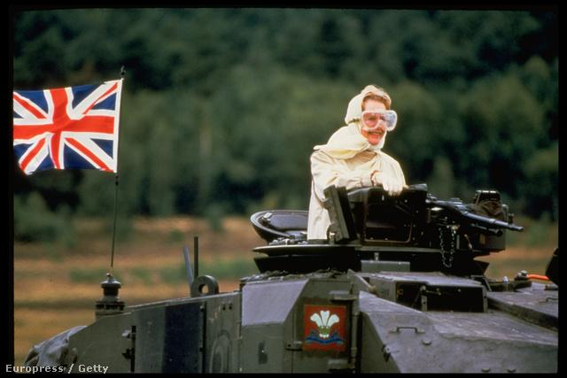 1986. Egy Challenger-tank fedélzetén.  Thatcher megteremtett egy modern Nagy-Britanniát, de a hidegháború végén nem volt képes alkalmazkodni az új európai erőviszonyokhoz.