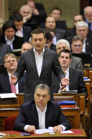 Rogán Antal a parlamentben április 8-án