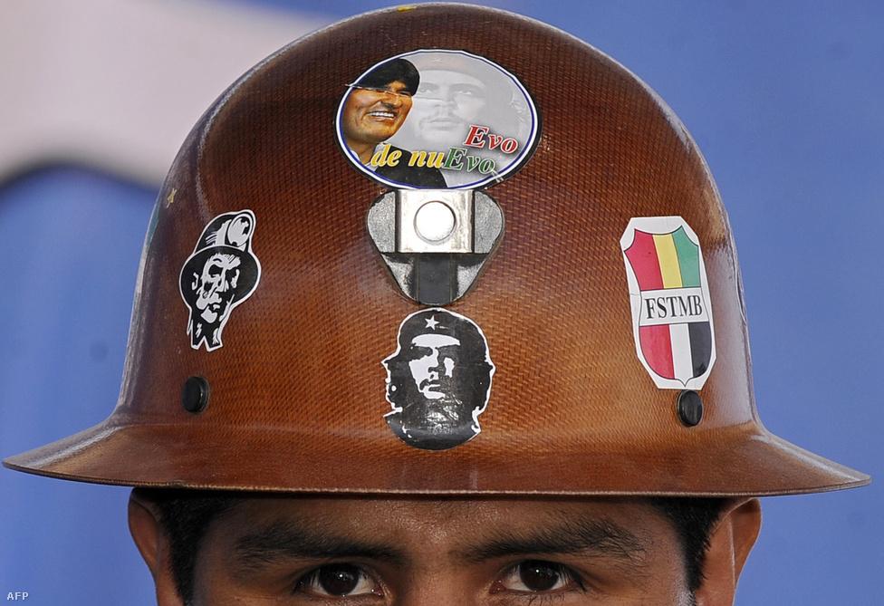 A harmadik szerencsés ország, a sajtóban csak a lítium Katarjaként emlegetett Bolívia idén januárban indította be első kitermelési egységét. A kísérleti program 19 millió dollárba került és csekély 40 tonna éves hozamot várnak tőle.