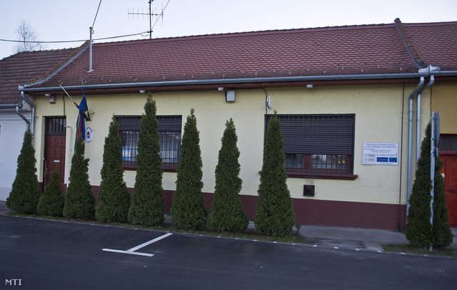 Izsáki rendőrőrs épülete