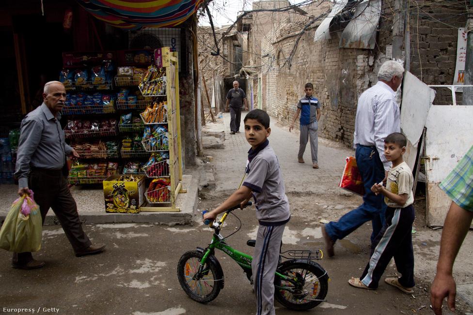 Utcakép egy bagdadi szegénynegyedből.